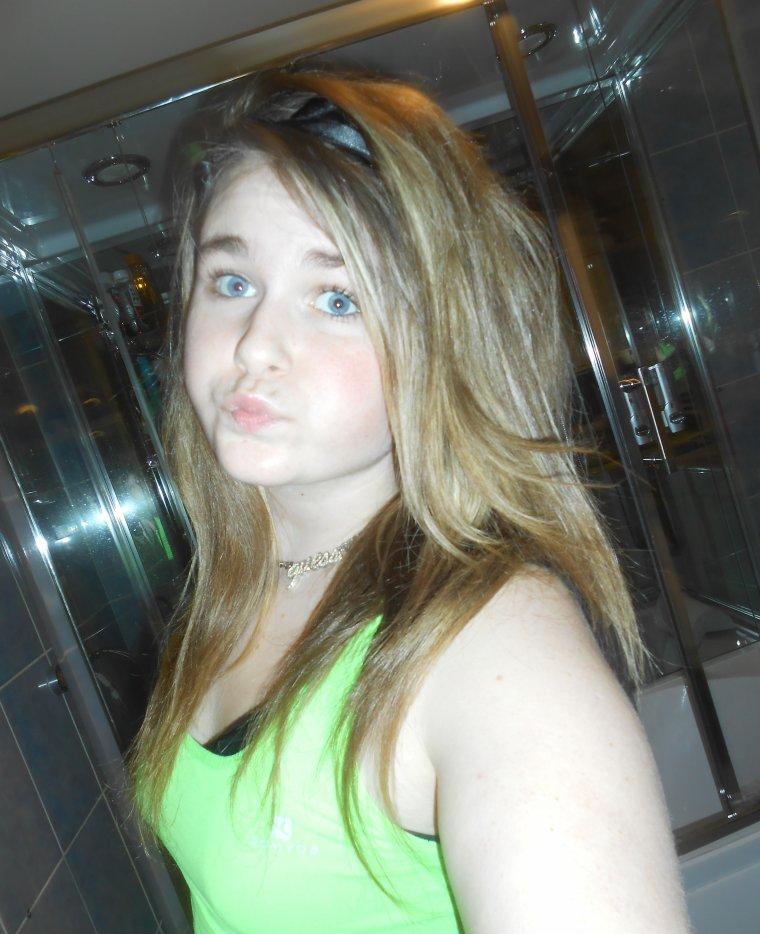Laura♥ :$