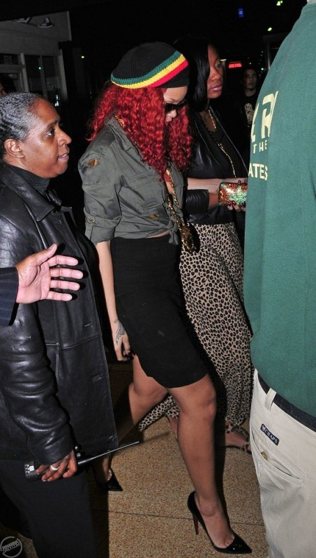 Rihanna - Leaving Lauryn Hill's gig in Los Angeles