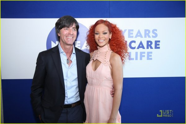 Rihanna: Nivea Skin Journey in Germany!