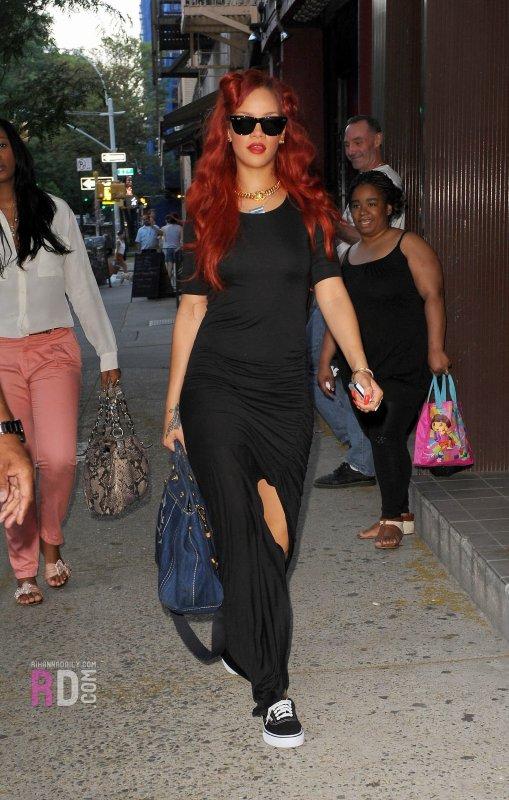 Rihanna , NY , Tatoo