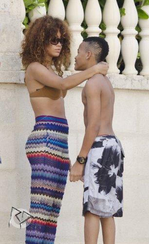 Rihanna à la plage , Barbade