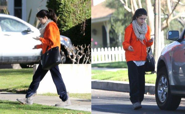 22 janvier : Selena sortant de chez une amie à Studio City, en Californie