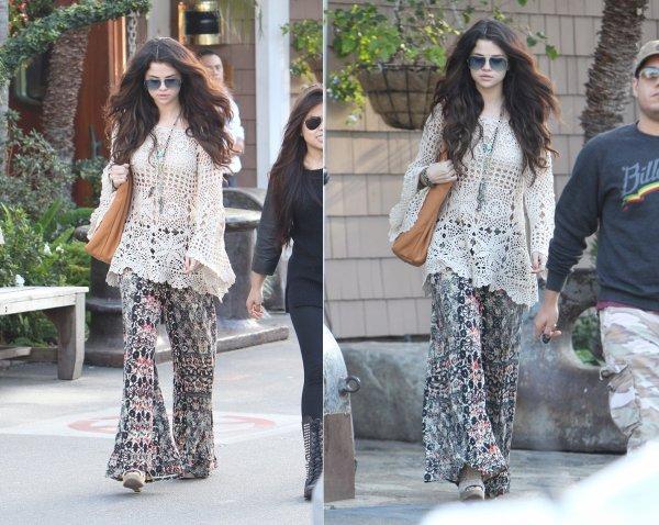 4 février : Selena à la plage privée de Malibu, Paradise Cove