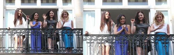 17 janvier : Les filles de Spring Breakers saluant leurs fans du balcon de leur hotel, à Pars