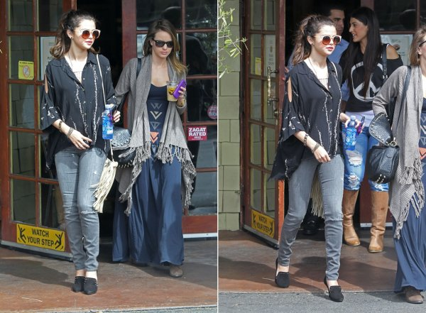 2 mars : Selena sortant du café de Coral Tree avec des amis à Encino, en Californie