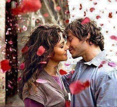 J'ai tant d'amour à te donner J'ai tant envie d'être à tes côtés....  J'ai tant envie de t'aimer, envie t'embrasser ton visage, envie de te prendre les mains, les caresser, envie de te serrer dans mes bras, envie de te combler de toute mon âme, envie de partager la vie avec toi, bâtir ensemble une vie à notre image... Partir ensemble main dans la main, vers des horizons, de défis, de paix, D'harmonie, de joie. Mon amour, comme je t'aime, mon humble amour, Mon unique amour, ma Muse chérie..  Que nos deux corps ne fassent qu'un et s'enlacent, que nos deux âmes ne fassent qu'une, que notre amour dure toujours à l'infini du temps sans limite de retour...  Oh mon Amour ! Oh ma bien aimée chérie  Comme je t'aime.