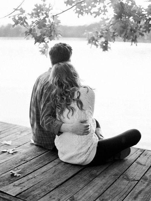 """"""" L'amour est le seul capable de nous faire ressentir la palette complète de ce que notre coeur décide et interprète...Il est souvent difficile à conjuguer, surtout pour des naufragés , échoués sur le rivage de leur coeur brisé, car son passé n'est pas simple, son présent est indicatif, son futur toujours conditionnel. Mais à nous deux, nous en ferons un passé à renouveler pour notre futur inconditionnel... Et nous comblerons ce vide qui ne manquera pas.  Je manque de toi...je voulais juste te le dire, te l'écrire..."""""""