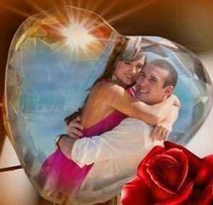 T'aimer est mon chemin' qui mené vers demain T'aimer est mon destin qui devient mon festin Tu est le sel de les jours et le sucre de mes nuits Tu est ma voix qui mène vers la splendeur