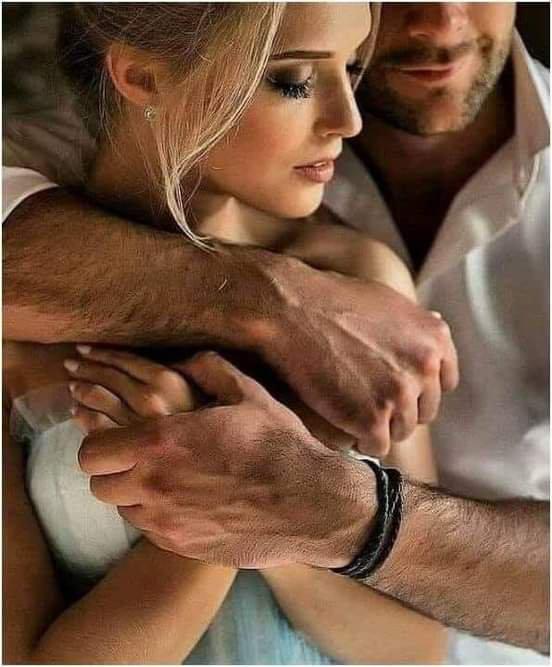 Nous l'âme en fleur. Mon bras pressait ta taille frêle et souple comme le roseau, ton coeur palpitait comme l'aile d'un jeune oiseau. Longtemps muets, nous contemplâmes le ciel ou s'éteignait le jour. Que se passait-il dans nos âmes? Amour !Amour