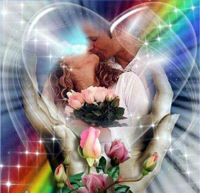 Le soleil a ajoute de l'espoir chaque jour dans nos vies .. Le bonheur bien souvent ce cache derrière les nuages après une rafale de vent qu'on peut l'apercevoir..  Dans ses lueur rose et dorée dans nos yeux dans nos c½urs , je penses que le bonheur es jamais bien loin .. Enfin, le beau temps est revenu ... Parce que l'amour est plus fort que le mal.. L'amour de soi c'est la santé on a envie de vivre sans regarder derrière ..  L'amour c'est la vie c'est le commencement .. c'est la richesse, c'est de la  pureté des âmes .. C'est la  naissance même .  Le c½urs a besoin la paix.. Pour oublier le chagrin de hier et les épines de la vie..  Parce que on peut pas avancer avec de la haine ou avec la méchanceté..la méchanceté vous faites piétiner dans le noir 💕
