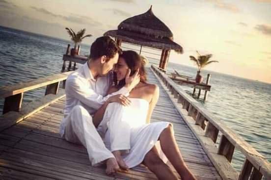 Si vous voulez gagner des c½urs, semez les graines de l'Amour.  Si vous voulez le paradis, arrêtez de répandre des épines sur la route......