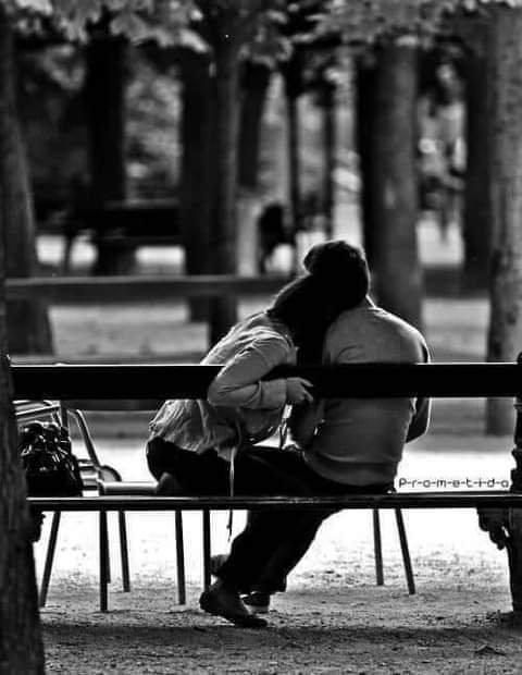 """💕""""Il est des êtres si faciles à aimer et si difficiles à satisfaire. Il est des mots si faciles à donner et si difficiles à extraire. Il est des liens si faciles à nouer et si difficiles à défaire. Il est des débuts si artificiels et des fins si extraordinaires. L'amour est partout, dans sa raison et son contraire.""""💕"""