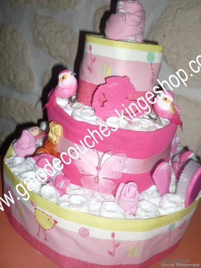 gâteau de couches rose