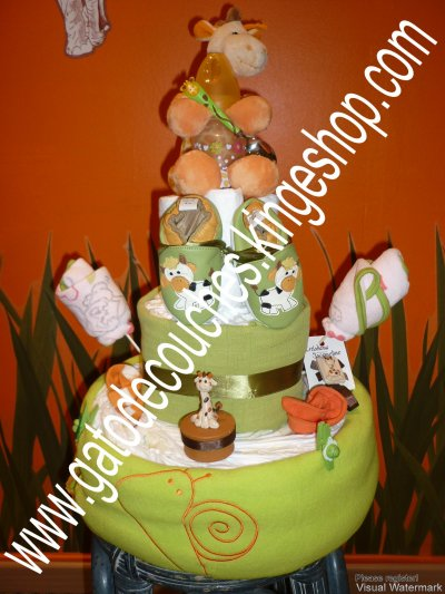 gâteau de couches petite girafe