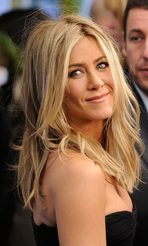 Jennifer Aniston Pictures Gallery | Jennifer Aniston Hairs | Jennifer and Brad | Beautiful Jennifer Pictures | Cute Jennifer Aniston | Jennifer Aniston Boyfriends |