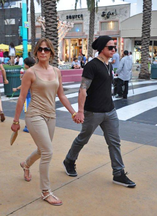 Jennifer Lopez Boyfriends   Jennifer Lopez Hairstyle   Beautiful Jennifer Lopez  