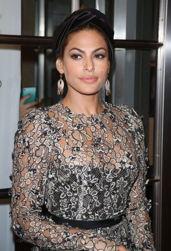 Eva Mendes Pictures | Eva Mendes Hairstyles | Cute Eva Mendes Pics | Beautiful Eva Mendes | Eva Mendes Boyfriend |
