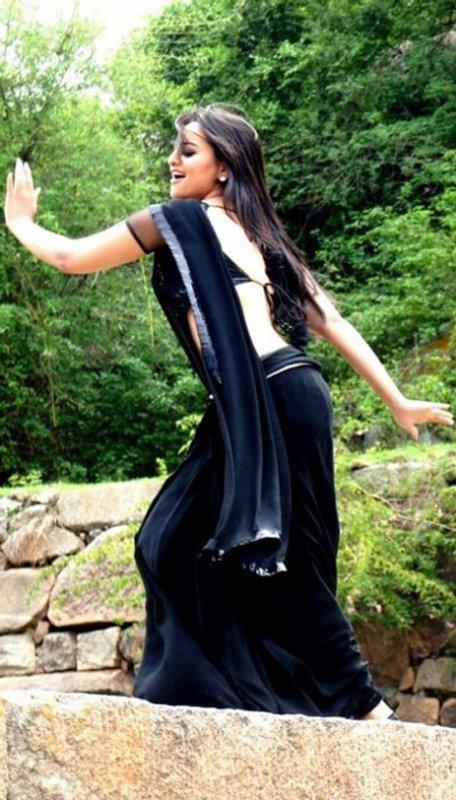 Sonakshi In Saree | Sonakshi Sinha Dresses | Sonakshi Sinha Smile | Sonakshi Pictures Gallery | Modern Sonakshi Sinha | Sonakshi Hairstyle |