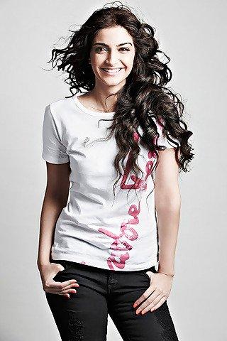 Cute Sonam Kapoor | Sonam Kapoor Dresses | Sonam Kapoor Saree | Sonam Kapoor Hairstyle | Sonam Kapoor Smile |