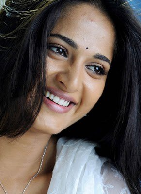 Anushka Shetty Pictures | Anushka Shetty Smile | Anushka Shetty Saree | Beautiful Anushka Shetty | Anushka Shetty Photos |