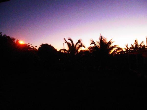 l'heure la plus sombre vient avant les premiers rayons de soleil ...