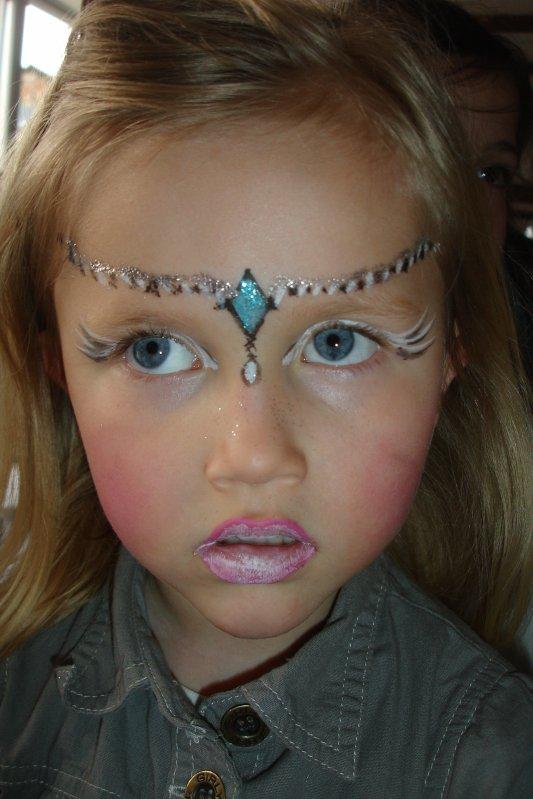 Princesse doree sono babis - Maquillage princesse facile ...