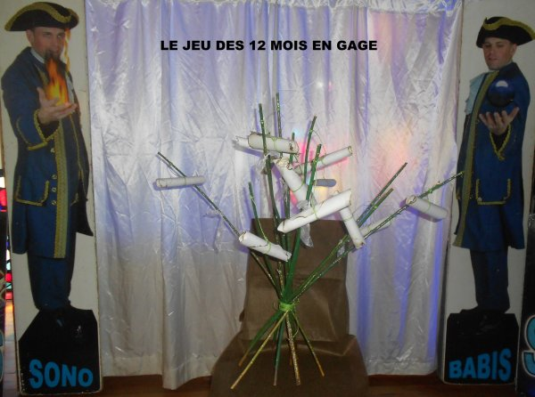 .....33......LE FAMEU JEU DE L'ARBRE A 12 MOIS DE GAGES. AMBIANCE DEMONIAQUE.