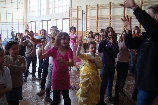 25 MINUTES DE DANSES star ac dans école