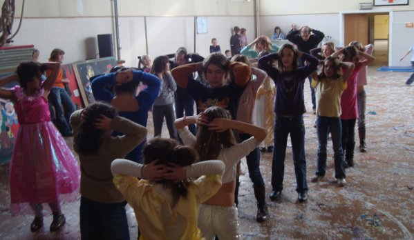 25 MINUTES DE DANSES starac dans école