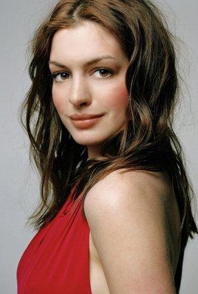Anne Hathaway(USA)