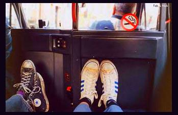 J'ai raté le dernier bus.Je prendrai le train suivant. J'essaie, mais tu vois, C'est dur à expliquer