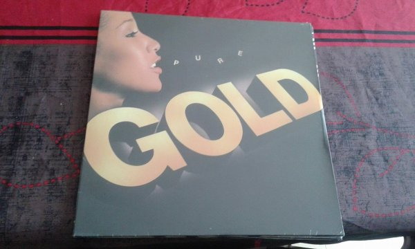 A VENDRE  LP PURE GOLD 1981 (neuf sceller) 20¤