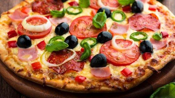 le kel de ta familles de chez toi celui ou celle ki mange le soir sucrerie gato chips ou pizza ou charcuterie le kel mange de tafamiiles ki c