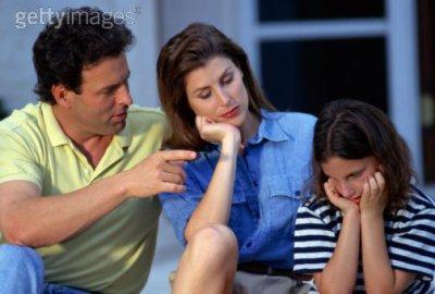 ki clomme celui ki met la page a c enfants kil fait le corect et ke sa femme elle dit rien les kel c si tu conais