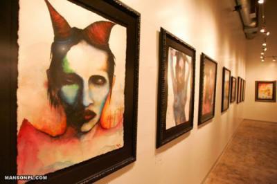 Manson expose ses peintures. - Marilyn Manson