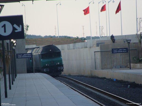 La DF-120 et DF-117  Arrive à La gare de Nador