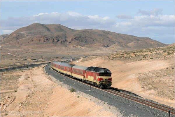 DF-102 6 voitures - Les Meilleures Locomotives de l'ONCF