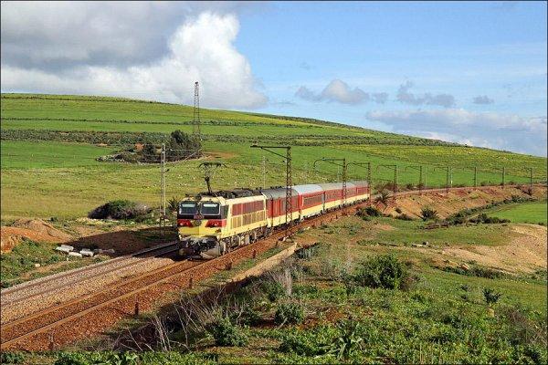E-1253 - Les Meilleures Locomotives de l'ONCF