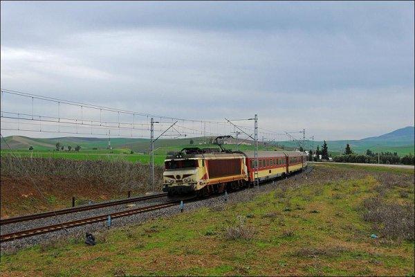 E-1301 Fes - Marrakech - Les Meilleures Locomotives de l'ONCF