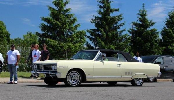 Acadian Beaumont Sport Deluxe Convertible 1965