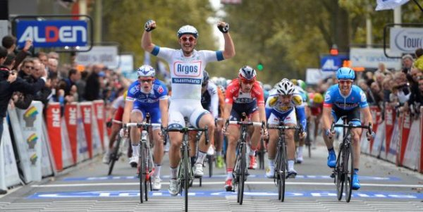 John Degenkolb remporte le 107 ème Paris - Tours !...