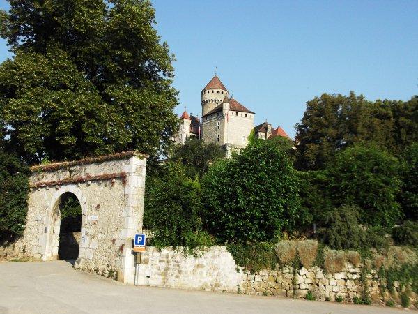 Images de Haute-Savoie : Le Château de Montrottier à Lovagny !...