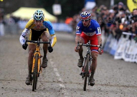 Tom Meeusen remporte la 7 ème et dernière manche de la Coupe du Monde de Cyclo-Cross, à Nommay, dans le Doubs, en France !...