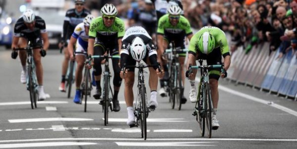 Tom Boonen remporte le 66 ème Kuurne - Bruxelles - Kuurne !...