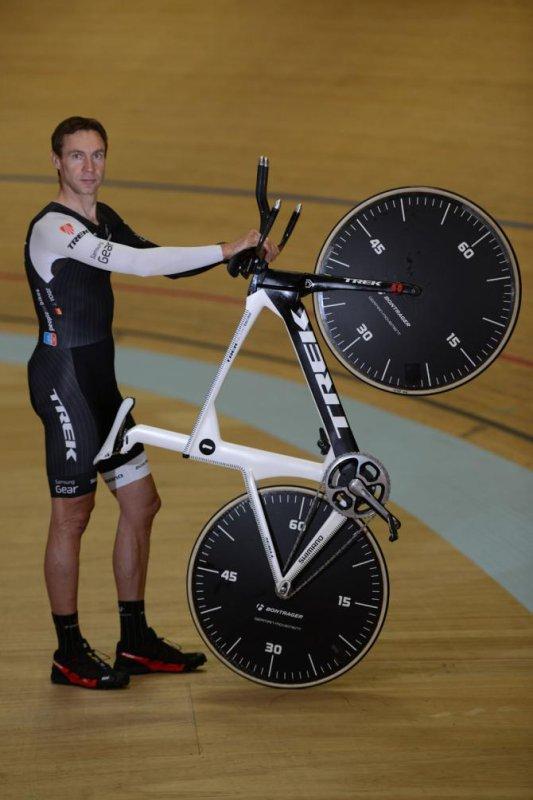 Jean Voigt, nouveau recordman de l'heure, « nouveau règlement », avec 51,115 km/h !...