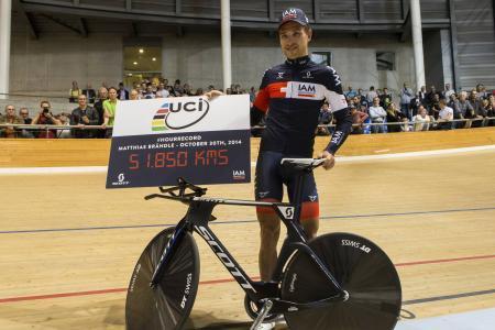 Matthias Brändle, nouveau recordman de l'heure, « nouveau règlement », avec 51,850 km/h !...