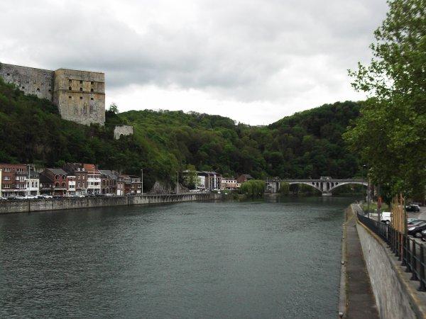 Images de Belgique : La Meuse et le Pont Roi Baudouin, à Huy !...