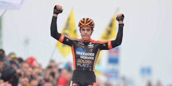 Wout Van Aert remporte la 2 ème manche de la Coupe du Monde de Cyclo-Cross, à Coxyde, en Belgique !...
