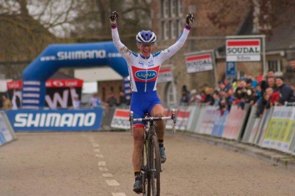 Kevin Pauwels remporte la 4 ème manche de la Coupe du Monde de Cyclo-Cross, à Namur, en Belgique !...