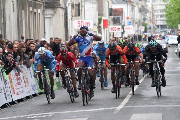 Lorrenzo Manzin remporte la 14 ème « Roue Tourangelle » !...